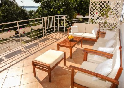 Beach-apartment-Sasha-Trogir-603-Optim