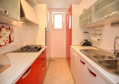 Beach-apartment-Sasha-Trogir-600-Optim